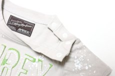 画像3:  【SALE40%OFF!!】 AVIREX (アヴィレックス) ロゴ刺繍Tシャツ【グレー】【80-140cm】 (3)