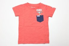 画像1:  【SALE30%OFF!!】 Lee(リー)×PEANUTS(ピーナッツ) スヌーピーサーフポケット半袖Tシャツ【ピンク】【キッズ/ベビー】【80-140cm】 (1)